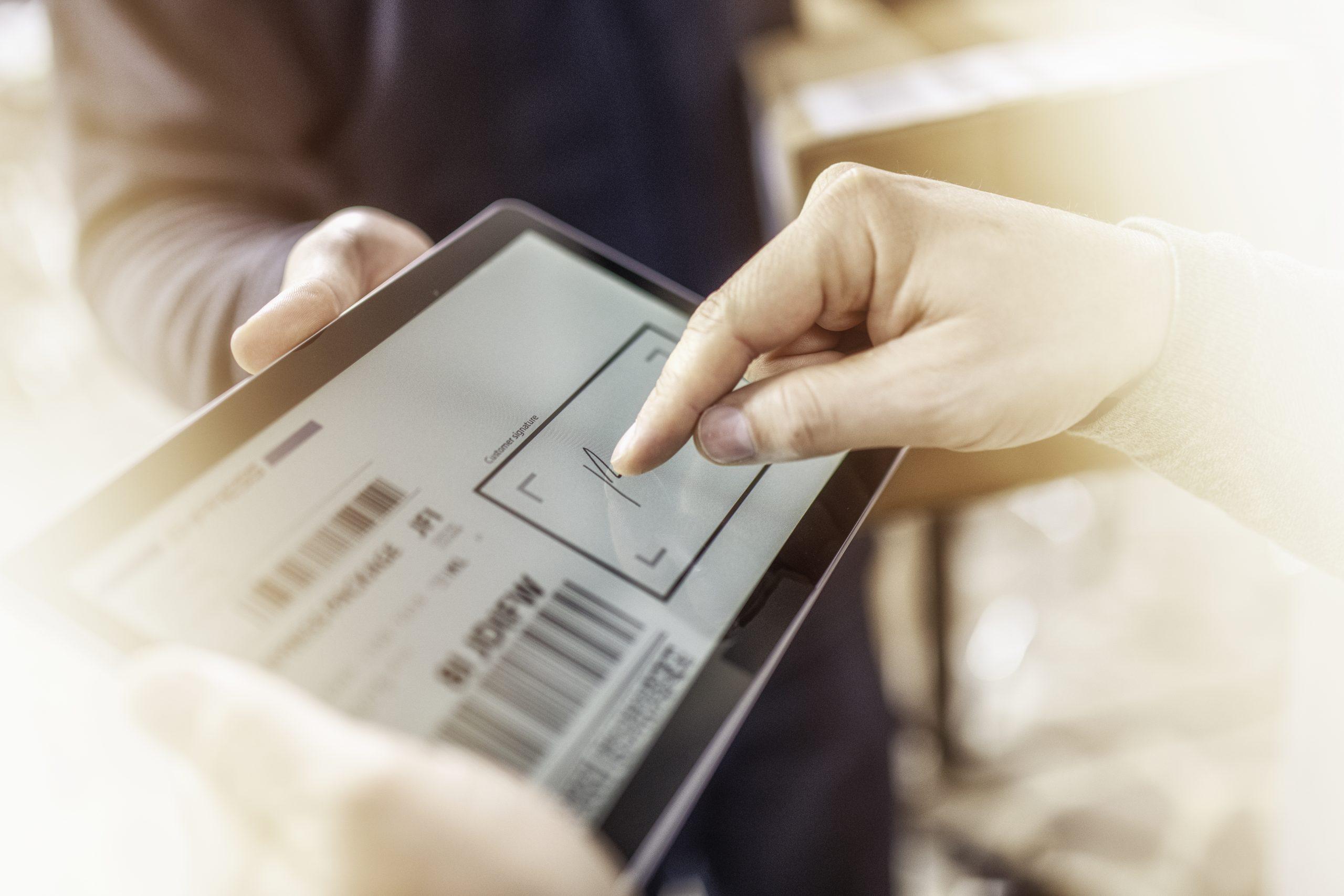 Vale a pena ter uma mesa digitalizadora? Veja as vantagens dela